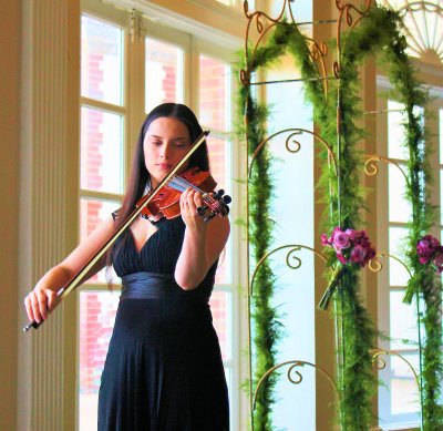 Bridal Music Violinist Laura